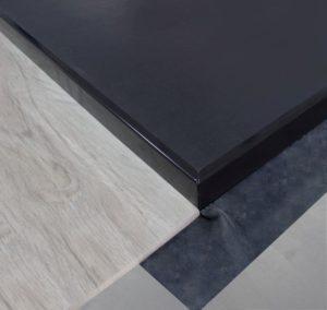 Sichtkante-schwarz-softboard -duschwanne